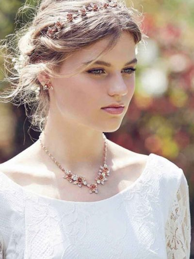Flower necklace for bride