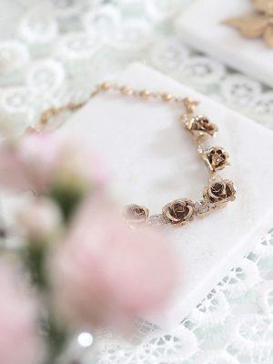 Gold wedding jewellery