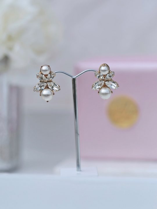 Pearl and crystal bendigo bridal earrings