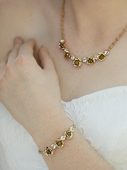 Melbourne gold bracelets set