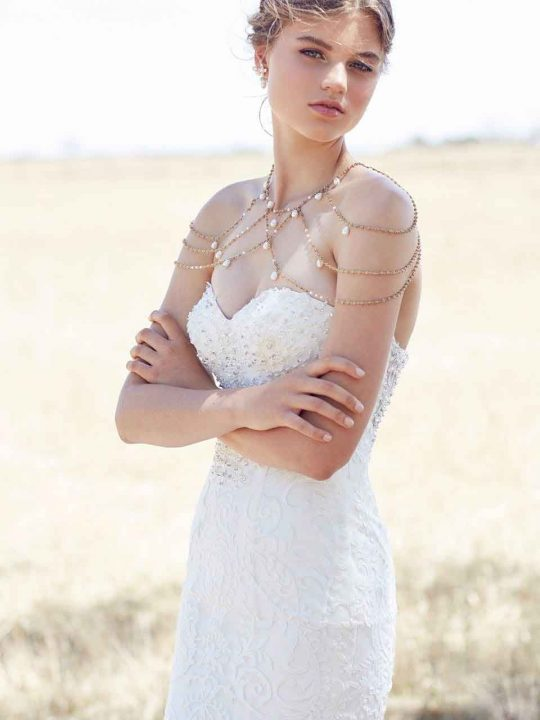 Rutherglen bridal neck piece gold with pearls