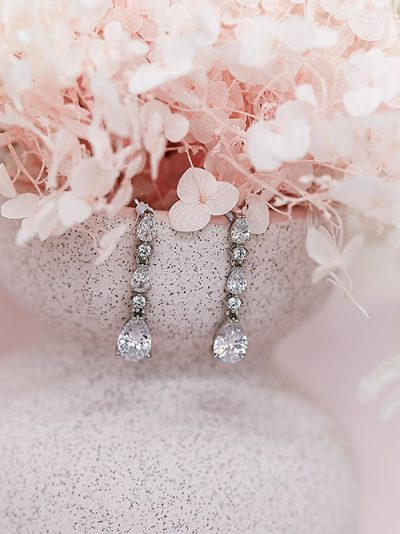 Chandelier wedding earrings and necklace