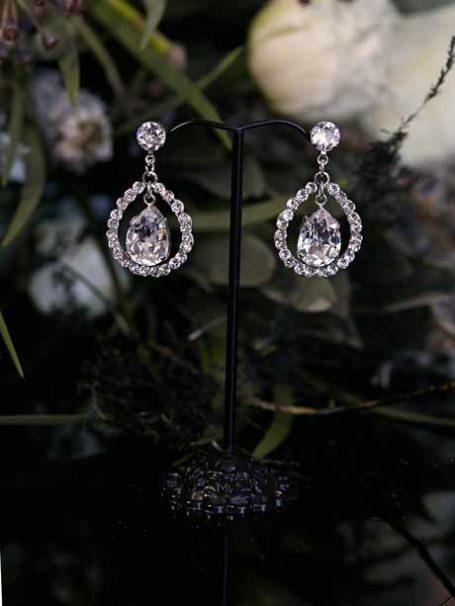 Tear drop wedding earrings close up