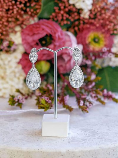 Sparkling royal wedding earrings