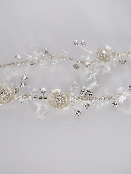 Close up bridal hairpiece