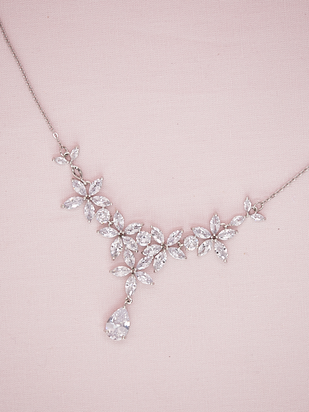 Lots of flowers wedding necklace sets