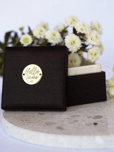 hello Lover box in Black