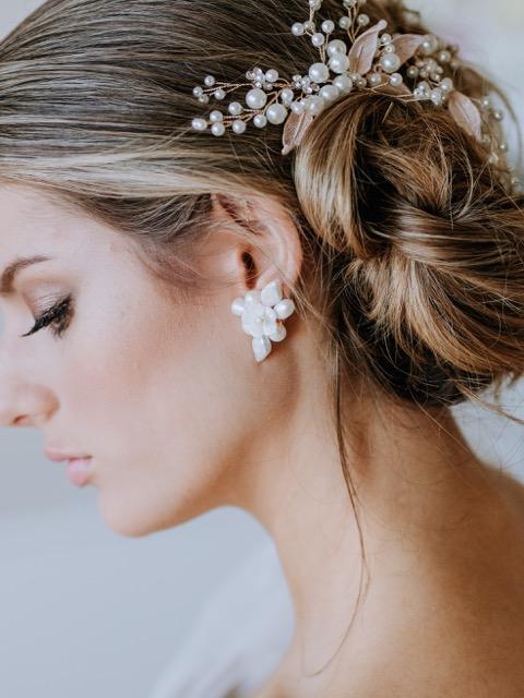 Natural pearl earrings in ivory