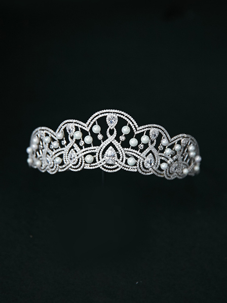 Large brides tiara