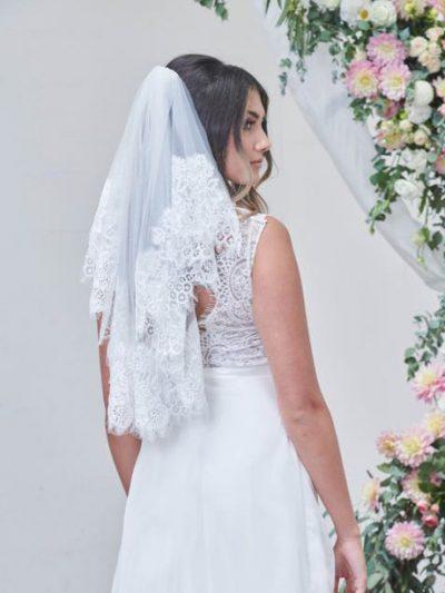 Vintage style short lace veils