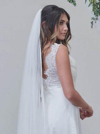 Single layer long ribbon edge veils