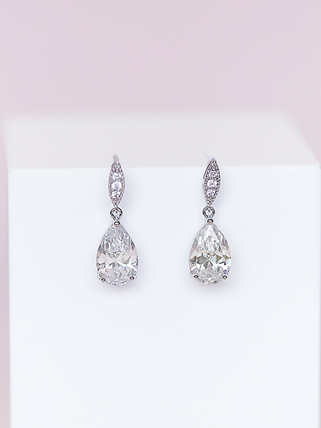 Silver jewelry sparkling tear drops