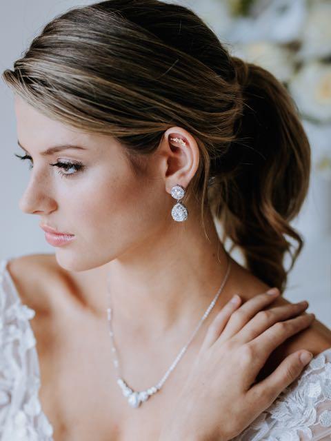 Drop formal earrings