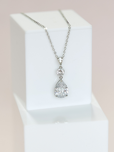 Bridal tear drop necklace