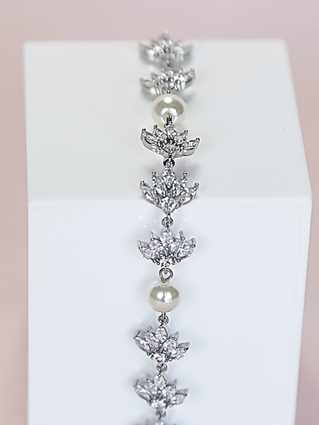 Summer wedding jewellery with pearls