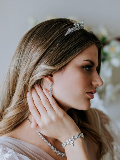 Event and wedding hook earrings