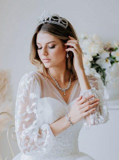 Regal tiara wedding jewelery
